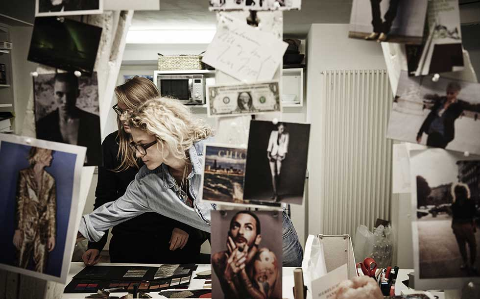 "Bild/Picture Katka and Zuzka Griesbach: ""Life is a bag full of emotions."""
